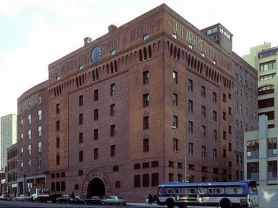 Eagle Warehouse Apartments